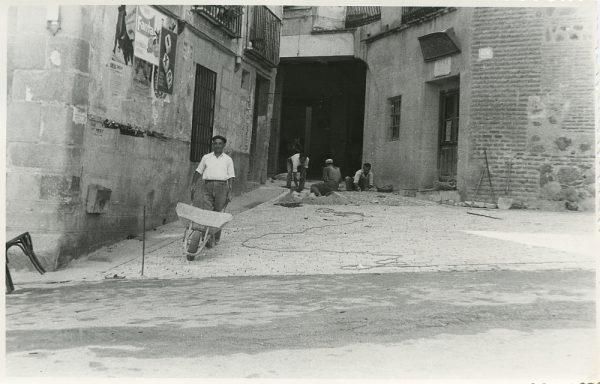 MMH-309-Obras de urbanización en la calle de Núñez de Arce_1960 - Fot Flores