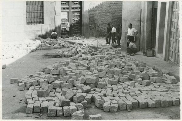 MMH-313-Obras de urbanización en la calle de Núñez de Arce_1960 - Fot Flores