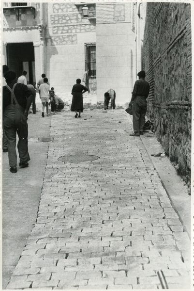 MMH-315-Obras de urbanización en la calle de Núñez de Arce_1960 - Fot Flores
