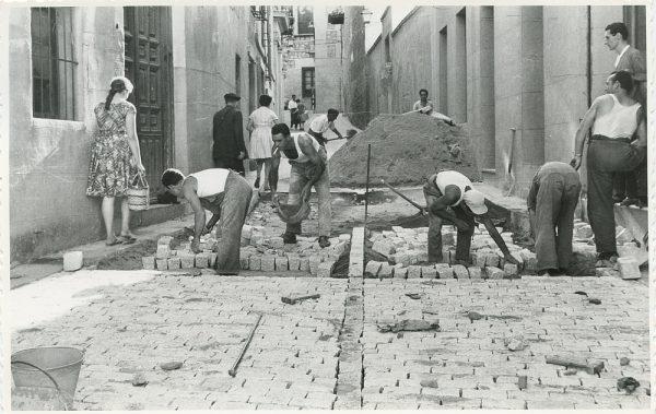 MMH-316-Obras de urbanización en la calle de Núñez de Arce_1960 - Fot Flores