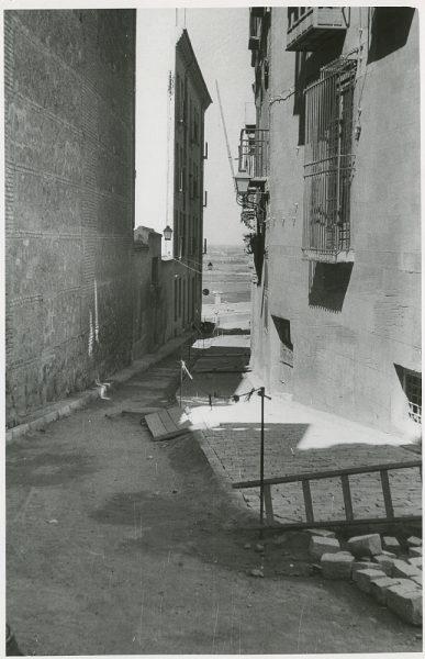 MMH-317-Obras de urbanización en la calle de Núñez de Arce_1960 - Fot Flores