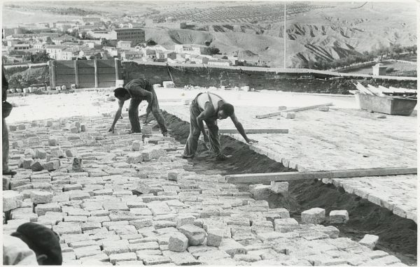 MMH-323-Obras de urbanización en la calle de Núñez de Arce_1960 - Fot Flores