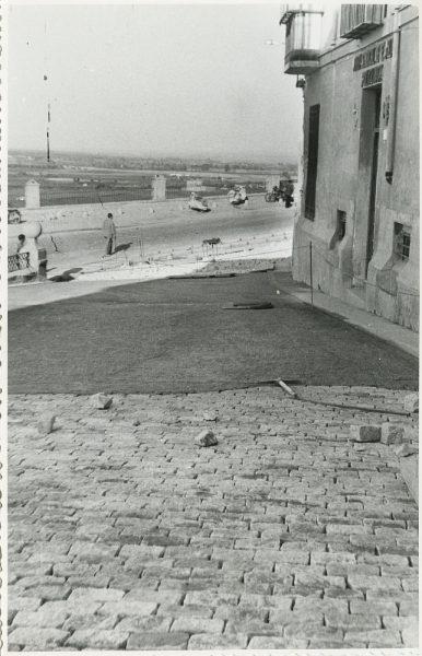 MMH-324-Obras de urbanización en la calle de Núñez de Arce_1960 - Fot Flores