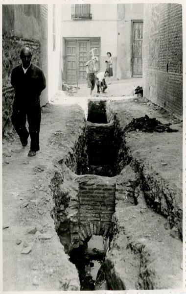 MMH-337-Obras de urbanización del callejón de San José_1960 - Fot Flores