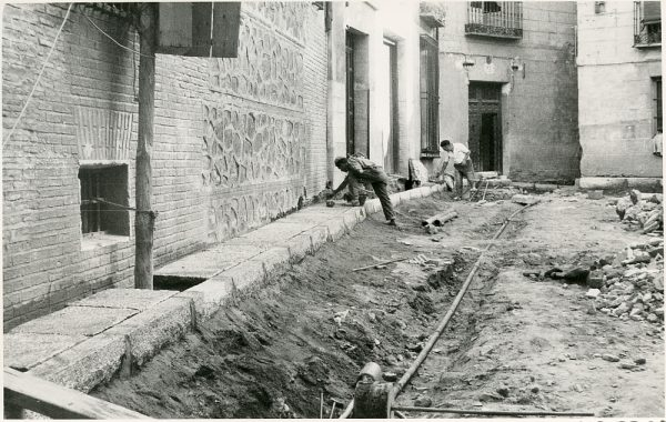 MMH-340-Obras de urbanización del callejón de San José_1960 - Fot Flores