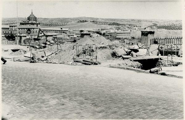 MMH-352-Obras de urbanización en la calle Venancio González_1960 - Fot Flores