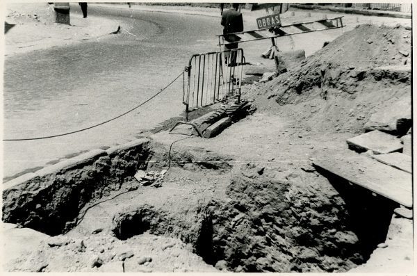 MMH-354-Obras de urbanización en la calle Venancio González_1960 - Fot Flores