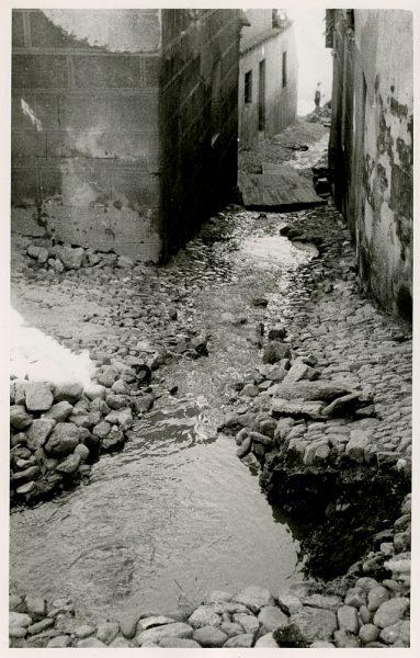 MMH-363-Obras de urbanización en la calle Zarzuela_1960 - Fot Flores