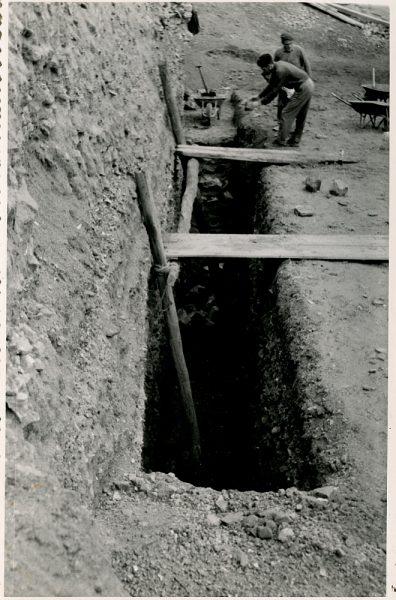 MMH-371-Obras de urbanización junto al tramo de murallas entre Alcántara y Doce Cantos_1960 - Fot Flores