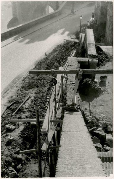 MMH-377-Obras de urbanización junto al tramo de murallas de la calle Gerardo Lobo_1960 - Fot Flores