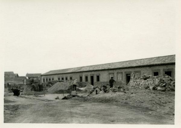 MMH-381-Obras de contrucción de viviendas unifamiliares en Santa Bárbara_1960