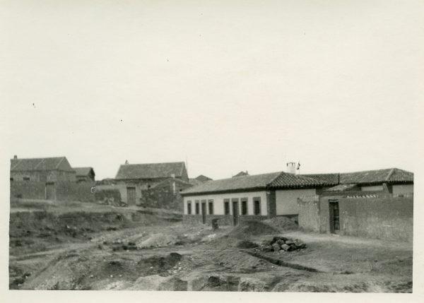 MMH-382-Obras de contrucción de viviendas unifamiliares en Santa Bárbara_1960