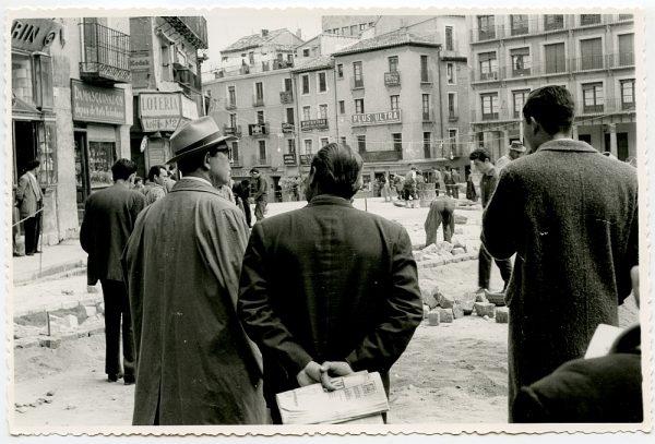 MMH-391-Obras de urbanización de la plaza de Zocodover_1961 - Fot Flores