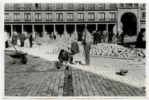 MMH-402-Obras de urbanización de la plaza de Zocodover_1961 - Fot Flores