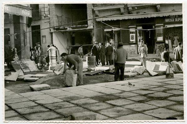 MMH-406-Obras de urbanización de la plaza de Zocodover_1961 - Fot Flores