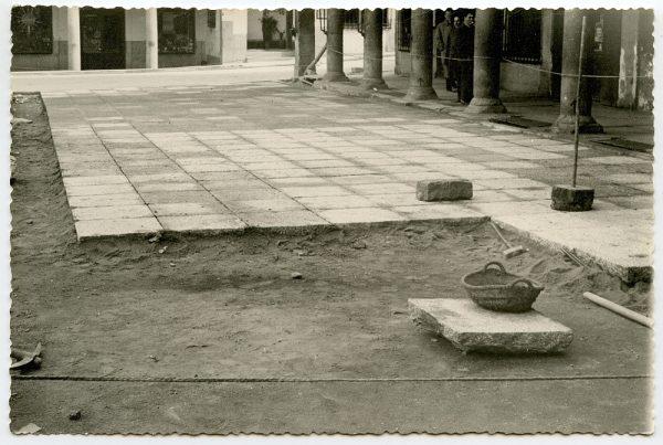 MMH-409-Obras de urbanización de la plaza de Zocodover_1961