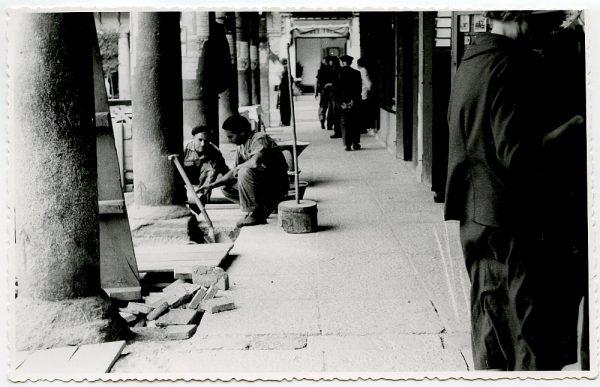 MMH-416-Obras de urbanización de la plaza de Zocodover_1961 - Fot Flores