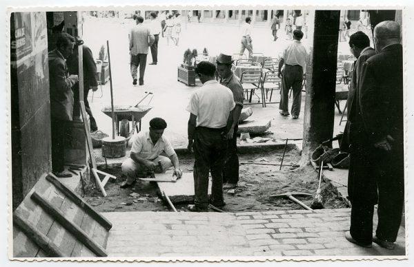 MMH-424-Obras de urbanización de la plaza de Zocodover_1961 - Fot Flores