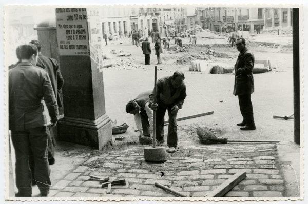 MMH-428-Obras de urbanización de la plaza de Zocodover_1961 - Fot Flores