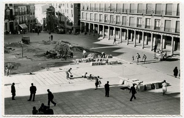 MMH-435-Obras de urbanización de la plaza de Zocodover_1961 - Fot Flores