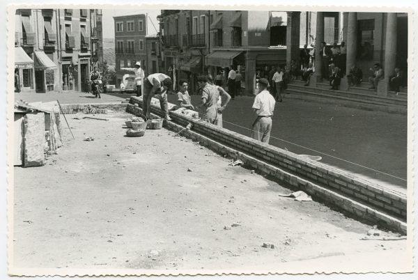MMH-436-Obras de urbanización de la plaza de Zocodover_1961 - Fot Flores