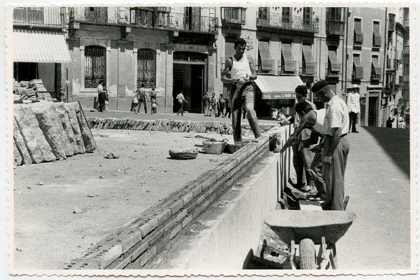 MMH-437-Obras de urbanización de la plaza de Zocodover_1961 - Fot Flores