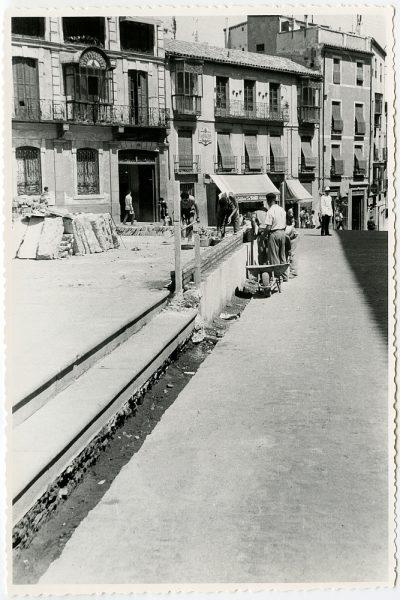 MMH-438-Obras de urbanización de la plaza de Zocodover_1961 - Fot Flores
