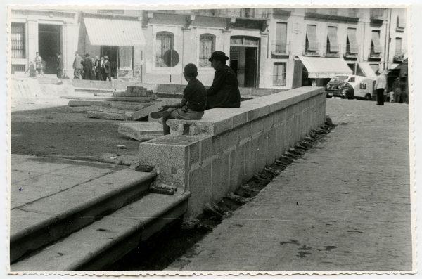 MMH-439-Obras de urbanización de la plaza de Zocodover_1961 - Fot Flores