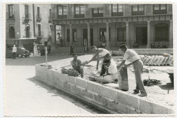 MMH-440-Obras de urbanización de la plaza de Zocodover_1961 - Fot Flores