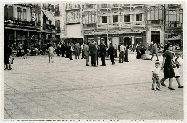 MMH-442-Obras de urbanización de la plaza de Zocodover_1961 - Fot Flores