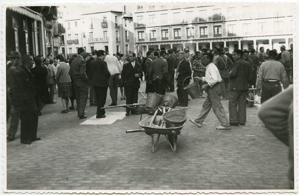 MMH-444-Obras de urbanización de la plaza de Zocodover_1961 - Fot Flores