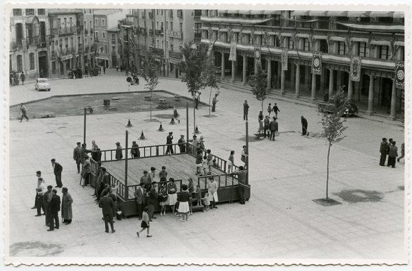 MMH-445-Obras de urbanización en la plaza de Zocodover_1961 - Fot Flores