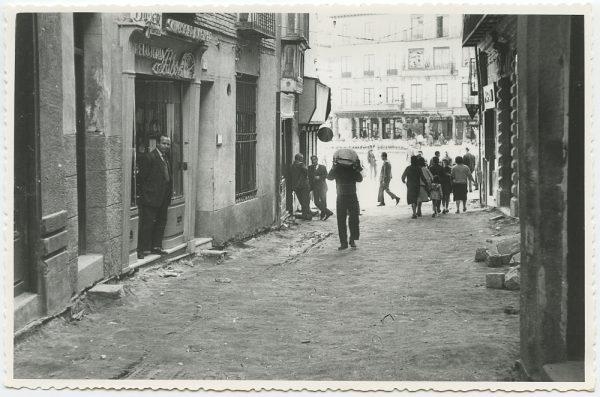 MMH-446-Obras de urbanización en la calle Sillería_1961 - Fot Flores