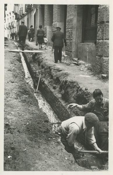 MMH-451-Obras de urbanización en la calle Sillería_1961 - Fot Flores