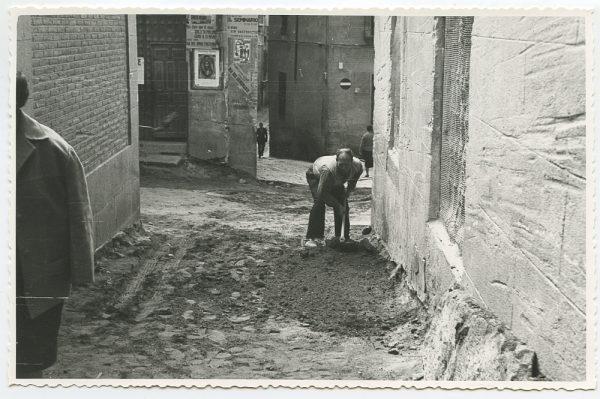 MMH-454-Obras de urbanización en la calle Sillería_1961 - Fot Flores
