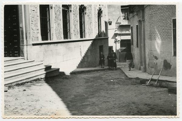 MMH-456-Obras de urbanización en la plaza de San Agustín_1961 - Fot Flores