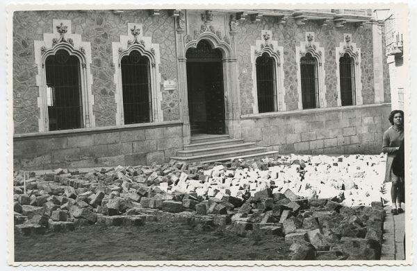 MMH-459-Obras de urbanización en la plaza de San Agustín_1961 - Fot Flores