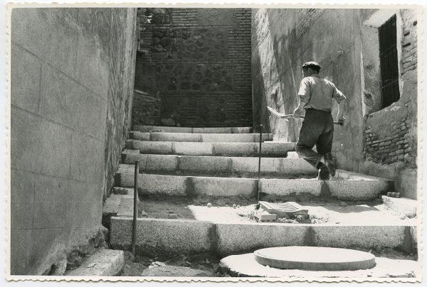 MMH-468-Obras de urbanización en la cuesta del Águila_1961 - Fot Flores
