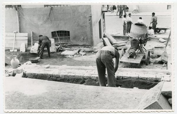 MMH-472-Obras de urbanización en el Corral de la Campana_1961 - Fot Flores