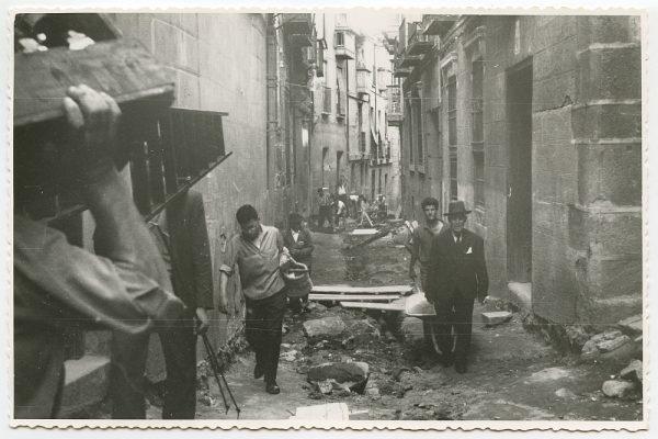 MMH-478-Obras de urbanización en la calle de Alfileritos_1961 - Fot Flores