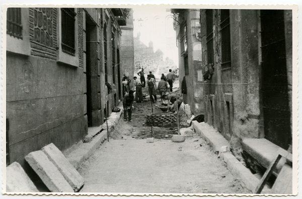 MMH-482-Obras de urbanización en la calle de Alfileritos_1961 - Fot Flores