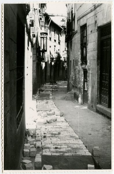 MMH-486-Obras de urbanización en la calle de Alfileritos_1961 - Fot Flores