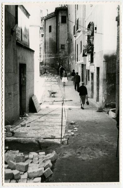 MMH-487-Obras de urbanización en la calle de Alfileritos_1961 - Fot Flores