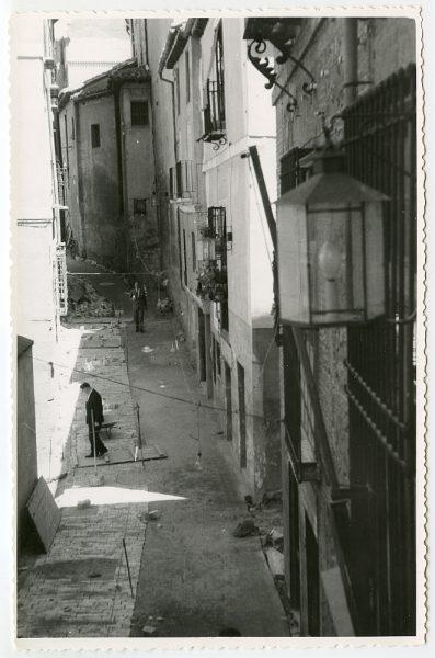 MMH-489-Obras de urbanización en la calle de Alfileritos_1961 - Fot Flores
