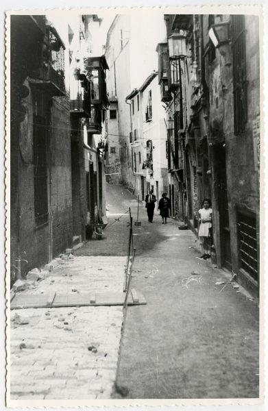 MMH-490-Obras de urbanización en la calle de Alfileritos_1961 - Fot Flores