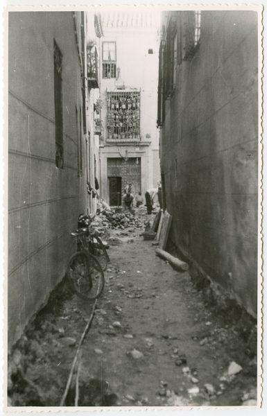 MMH-491-Obras de urbanización en el callejón de Gigantones_1961 - Fot Flores