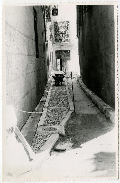 MMH-492-Obras de urbanización en el callejón de Gigantones_1961 - Fot Flores