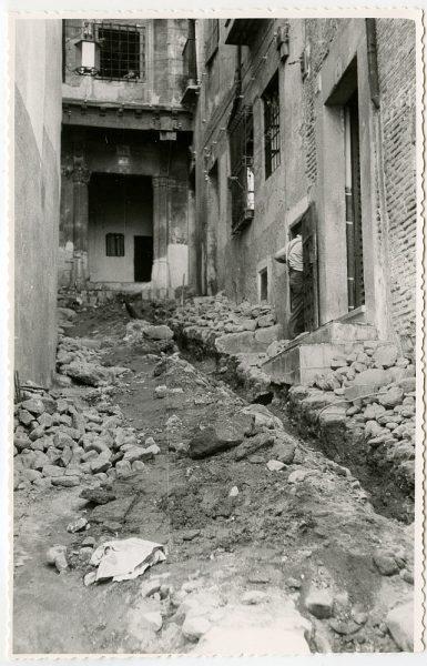 MMH-494-Obras de urbanización en el callejón de Agustín Moreto_1961 - Fot Flores
