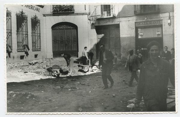 MMH-499-Obras de urbanización en la calle Nueva_1961 - Fot Flores