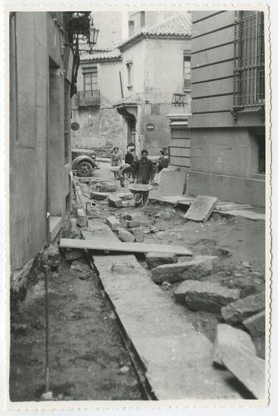 MMH-502-Obras de urbanización en la calle Nueva_1961 - Fot Flores